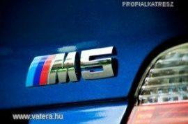 BMW M5 EMBLÉMA
