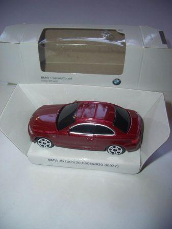 BMW 1 SZÉRIA COUPÉ 135 i MODELLAUTÓ 1:65